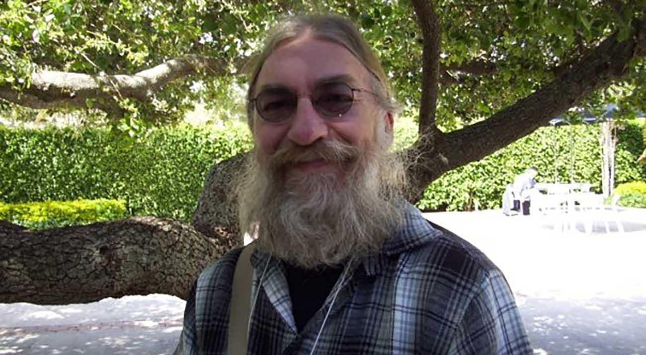 Dr. Neil Carnes