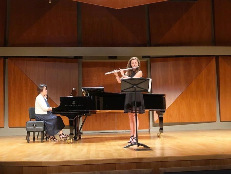 "Merritt Jones performs in Los Angeles at ""Beyond the Masterclass."""