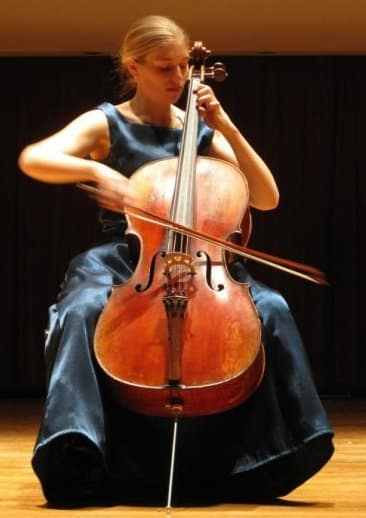 Molly Goforth perfoming on cello