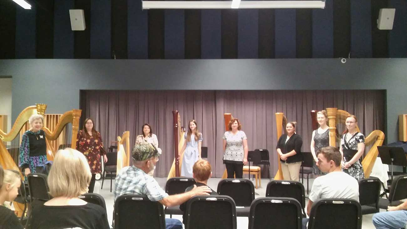 Harp performers